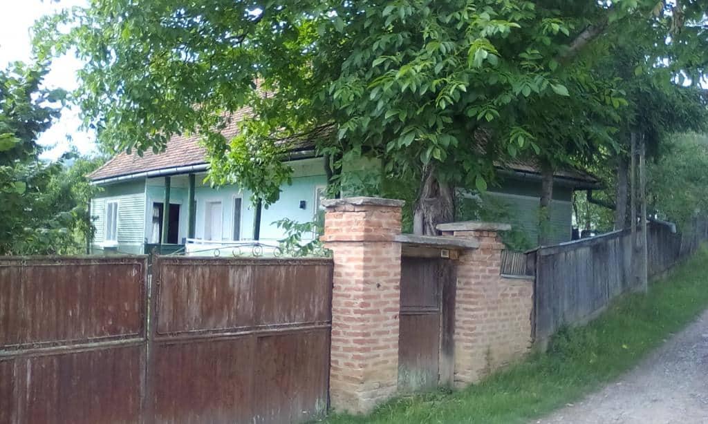 Proprietar vinde casa+teren!
