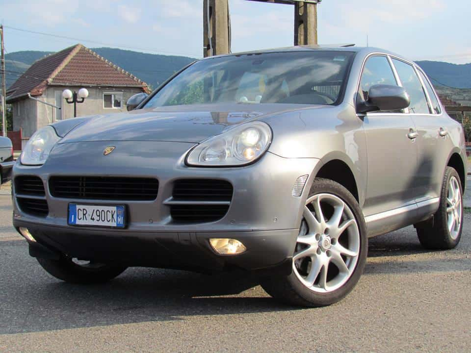 porsche cayenne s full 4 5 v8 benzina an 2005 mica publicitate. Black Bedroom Furniture Sets. Home Design Ideas