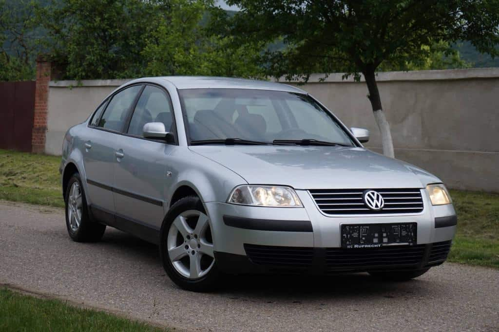 vw passat 1 9 tdi an 2002 mica publicitate. Black Bedroom Furniture Sets. Home Design Ideas