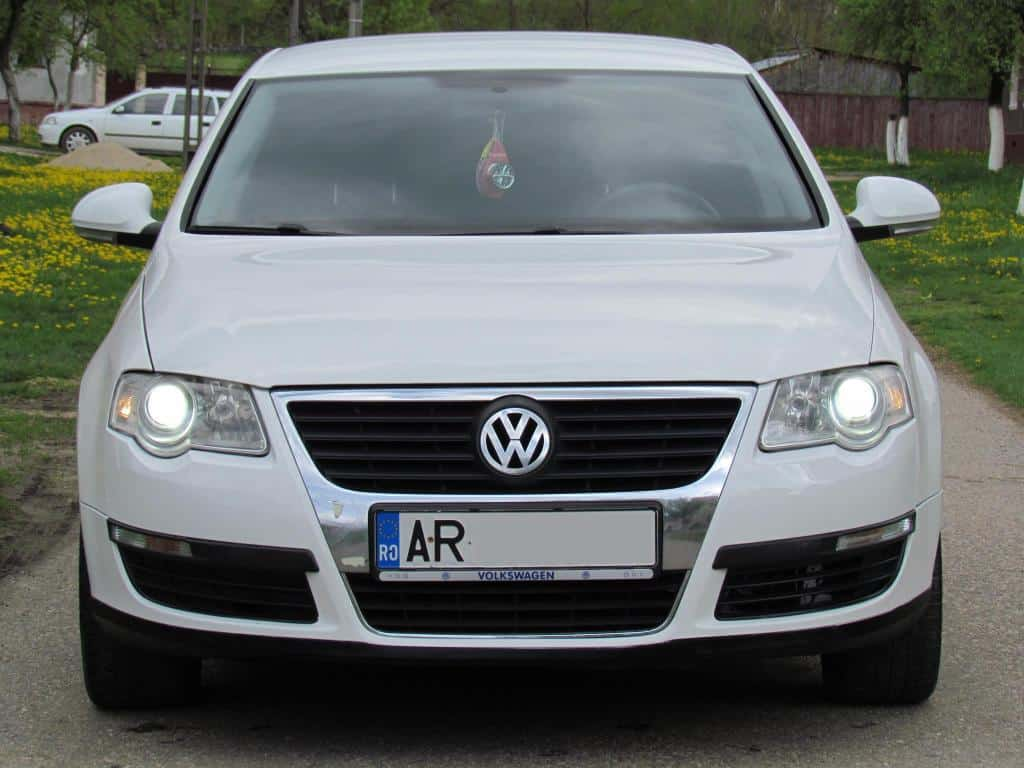 vw passat 1 9 tdi an 2006 mica publicitate. Black Bedroom Furniture Sets. Home Design Ideas