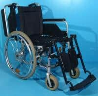 Scaun cu rotile cu suportii reglabili pana la orizontala