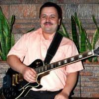 Chitarist din Iasi caut trupa de cover`uri