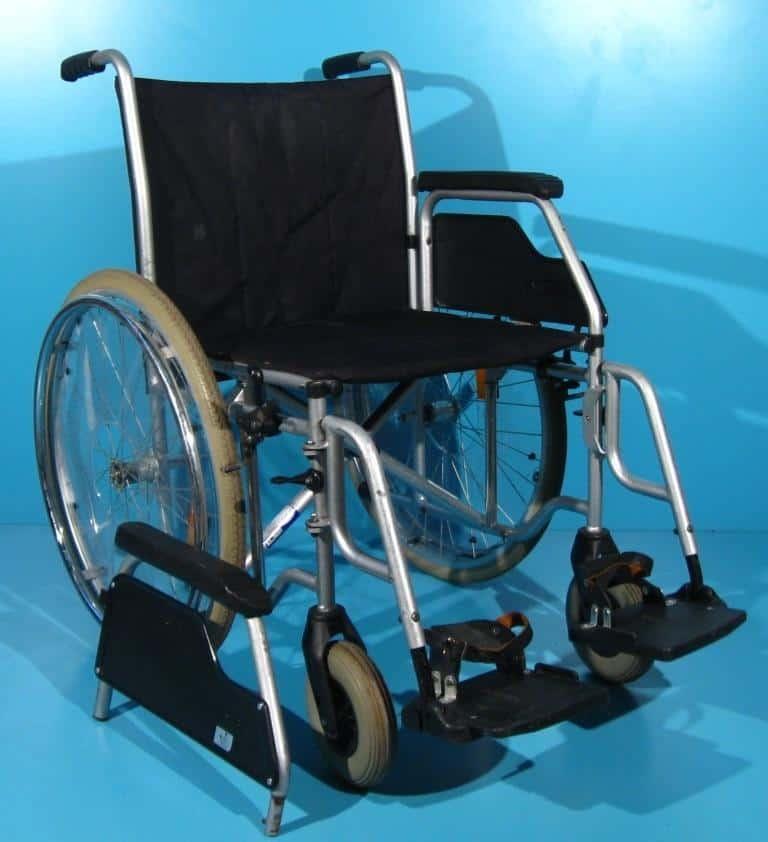 Scaun cu sistem de fixare la picioare second hand Meyra /48 cm