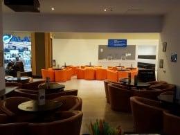Lichidez mobilier pentru cafenele/baruri