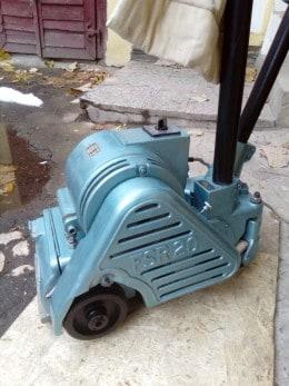 masina  Frank de slefuit raschetat parchet parchet