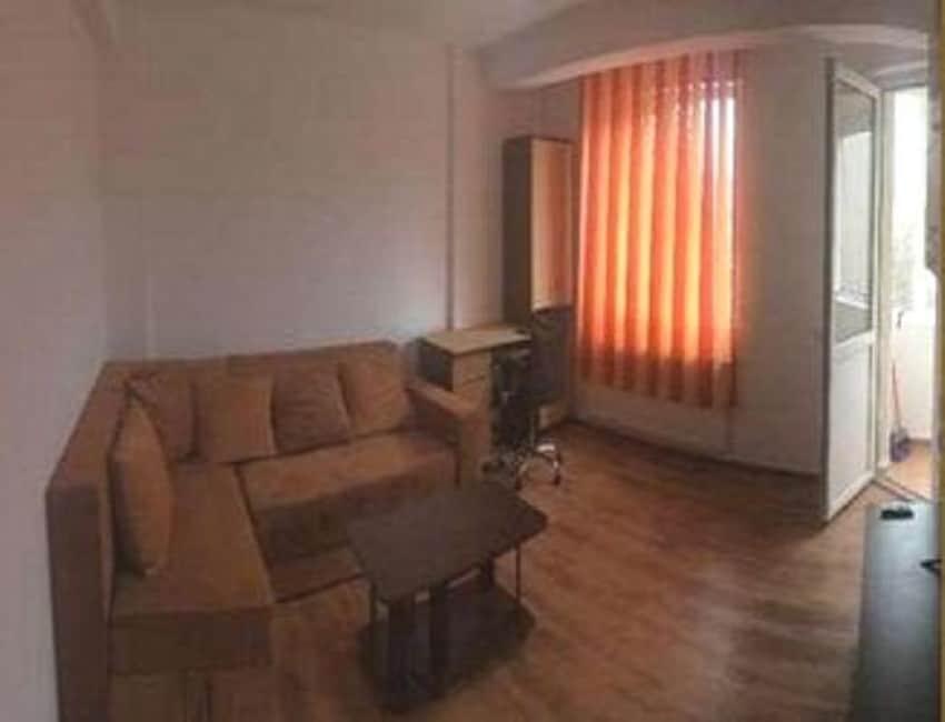 Apartament 3 camere decomandat Dr Gazarului