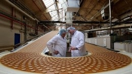 Angajatorul strain angajeaza femei/barbati la fabrica de biscuiti-1400 Euro