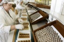 Angajeaza in fabrica de ciocolata femei/barbati-1400-1600 Euro