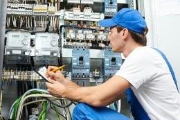 Se cauta electricieni-2000EUR