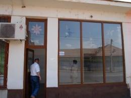 Administrator judiciar, vand 6 spatii comerciale Medias, str. Stejarului