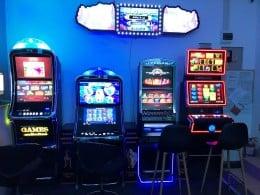 Colaborare activitate aparate de joc tip slot machine