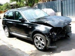 cumpar auto avariate