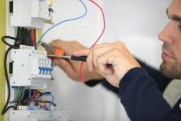 Angajator german angajeaza barbati in domeniul instalatiilor electrice-2000EUR