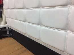Pat tapitat piele ecologica alb stil tableta ciocolata