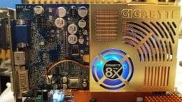 Sistem ieftin si bun. Athlon 64 3200+ 2Gb mem + Radeon 9600 + Hdd 40Gb