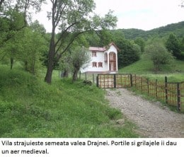 Vila cu aer medieval langa Valenii de Munte