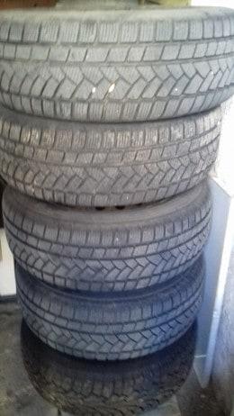 Vand 5 pneuri de iarna cu jante aferente 195/60 R15