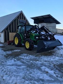 Tractoare agricole John Deere 5100M