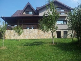 vila de lux la 40km de Sinaia si 99km de bucuresti