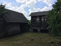 Vand casa curte si gradina in Camar