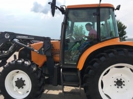 Tractor Renault Ares 550-RX cu incarcator