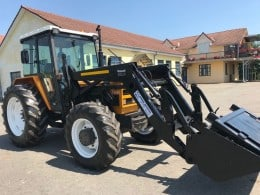 Tractor Renault 851.4